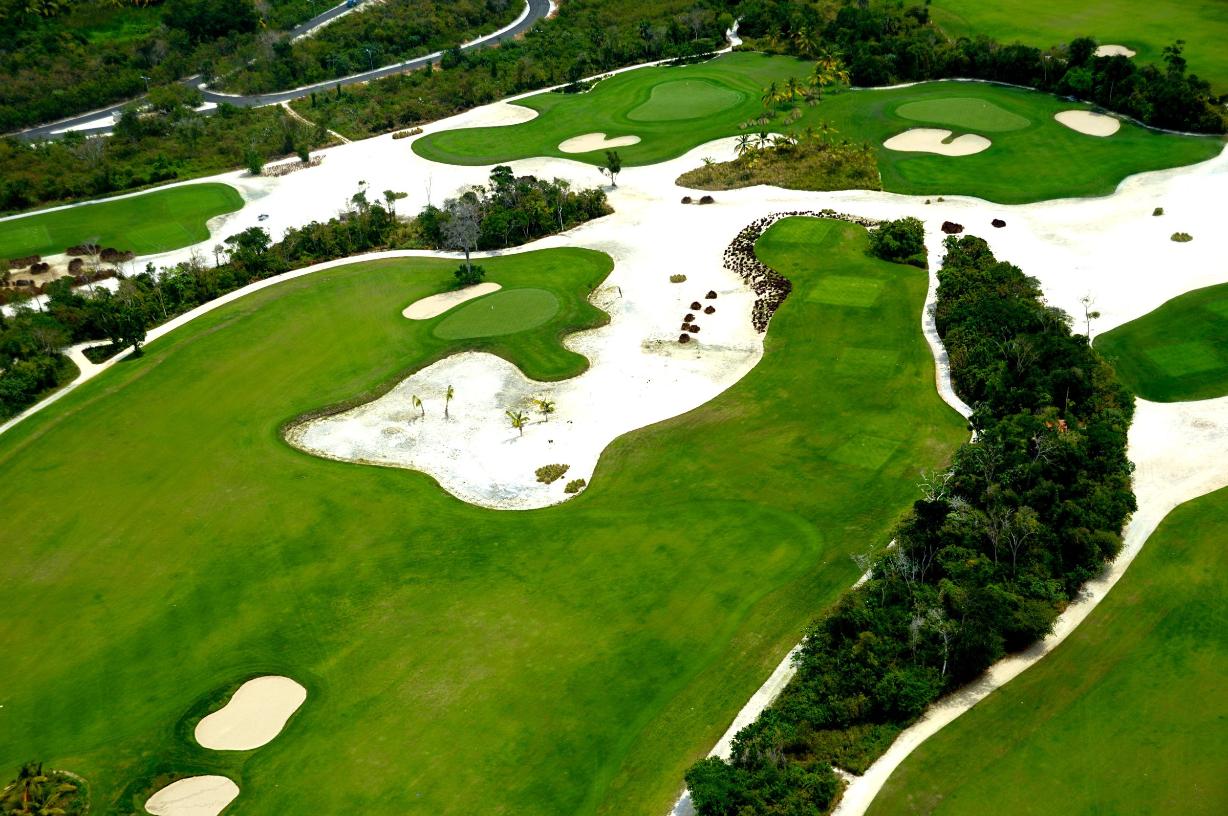 caribbean golf course 123rf