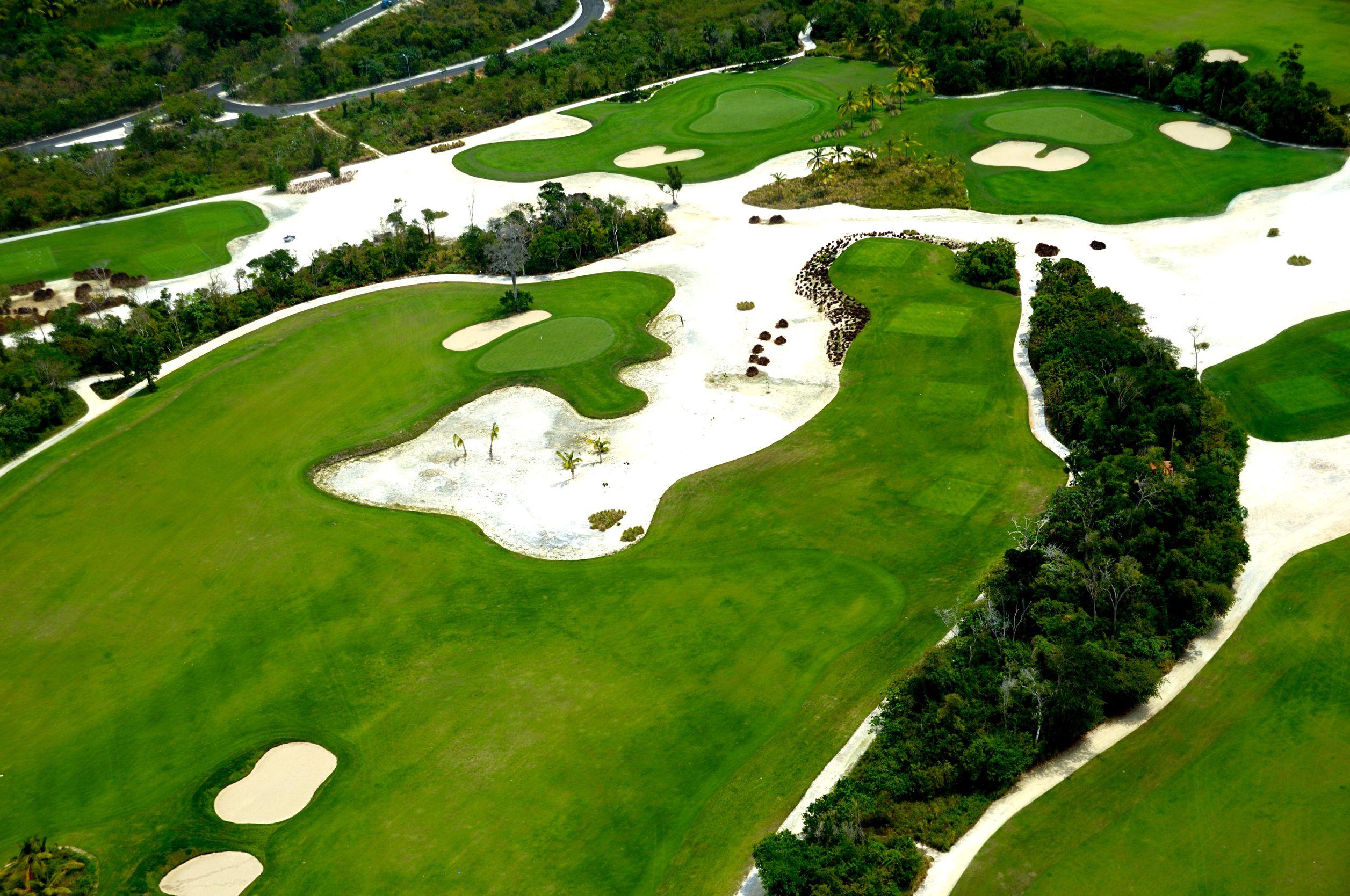 caribbean golf course 123rf