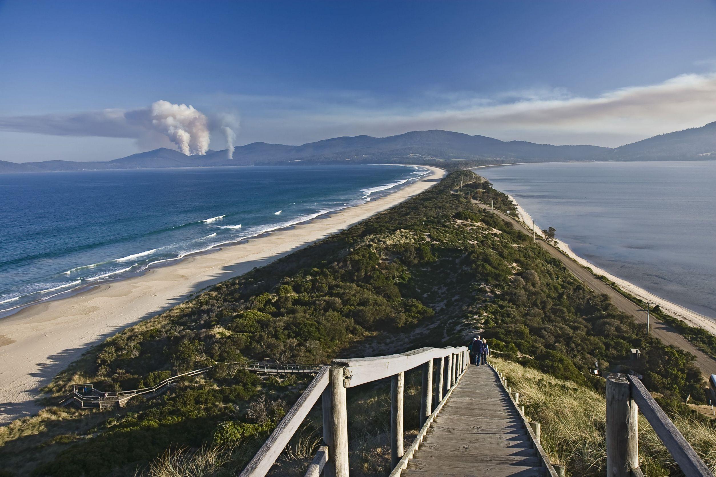 australia long beach tasmania 123rf