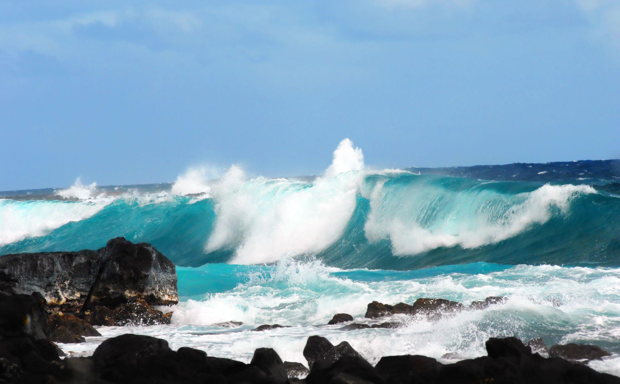 australia waves crashing rocks 123rf