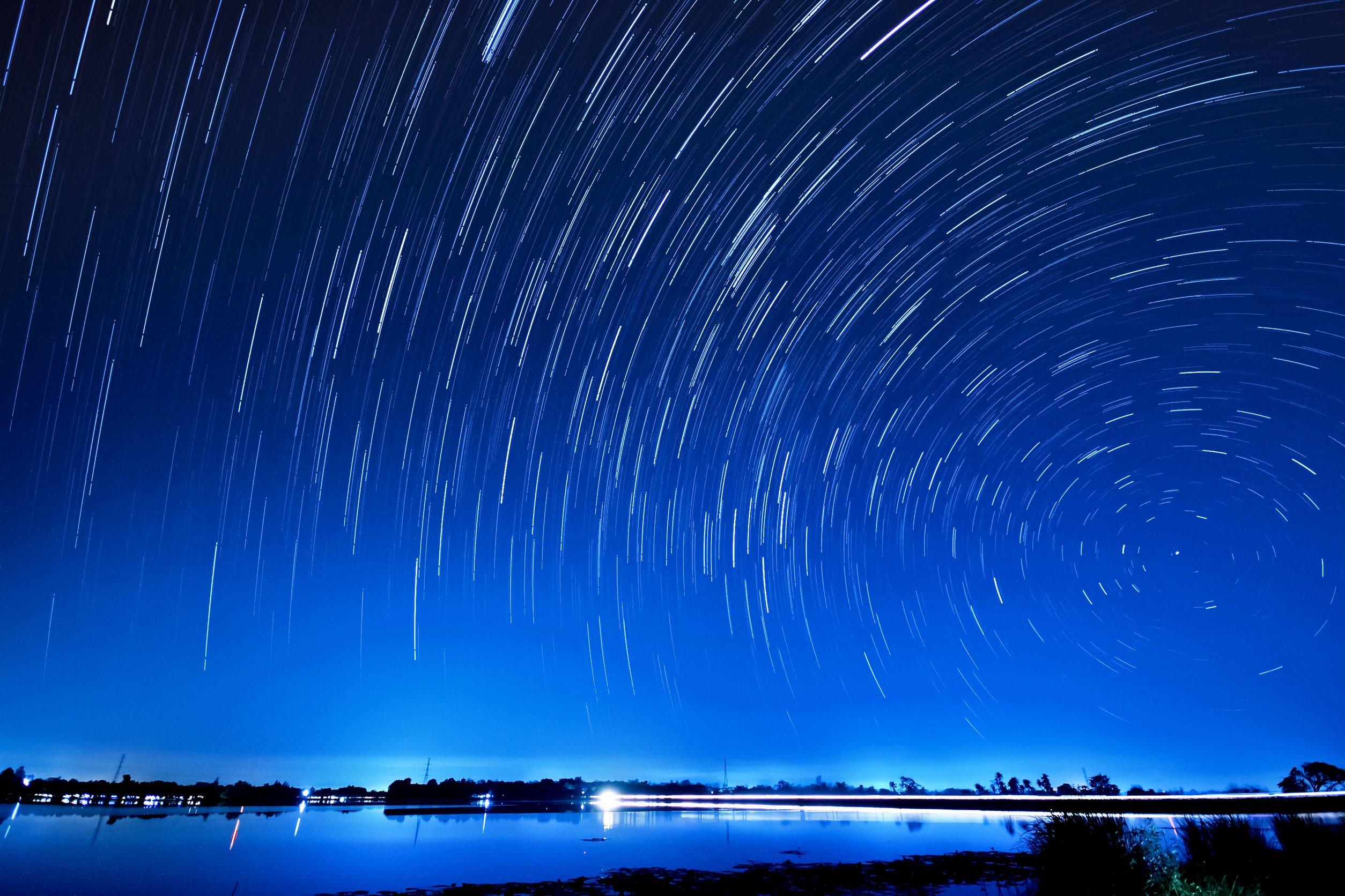 spinning-star-field-night-australia