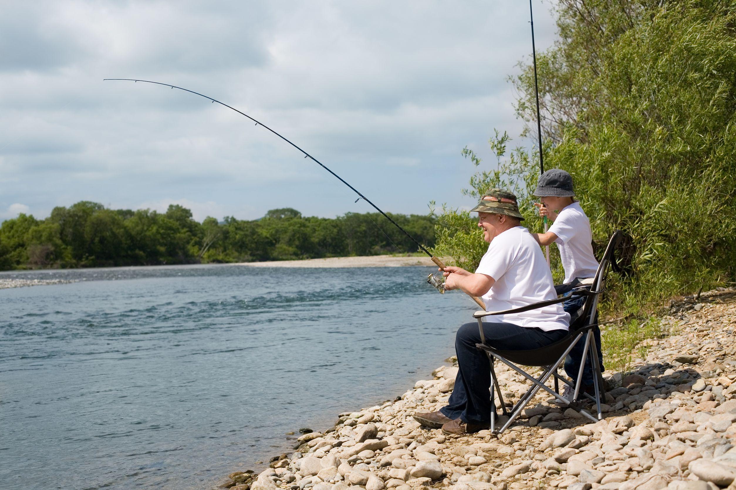 old-man-fishing-australia-usa