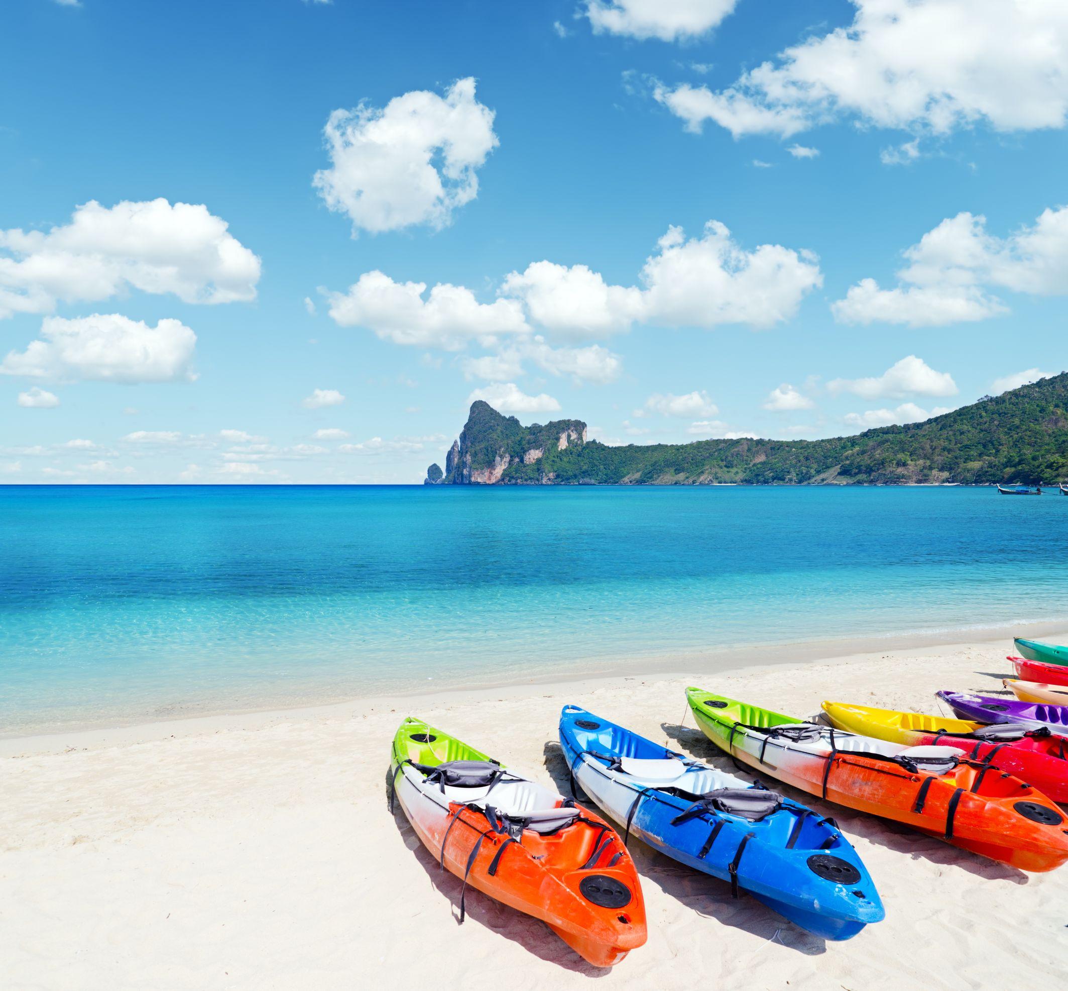 australia kayaks on the beach 123rf