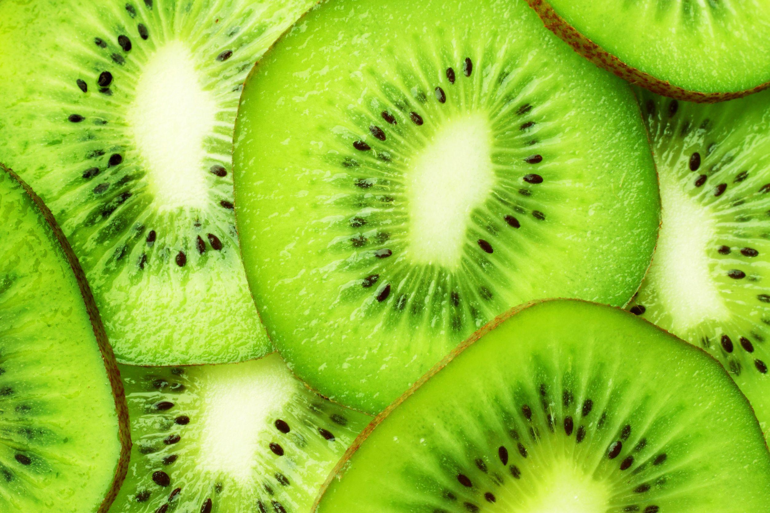 new zealand kiwi slices 123rf