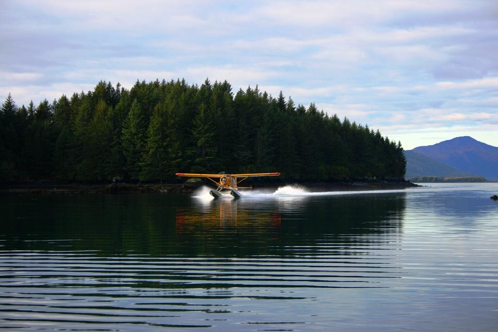 floatplane-in-alaska