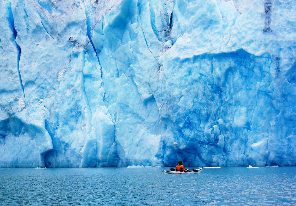 kayaking-near-glacier-in-alaska