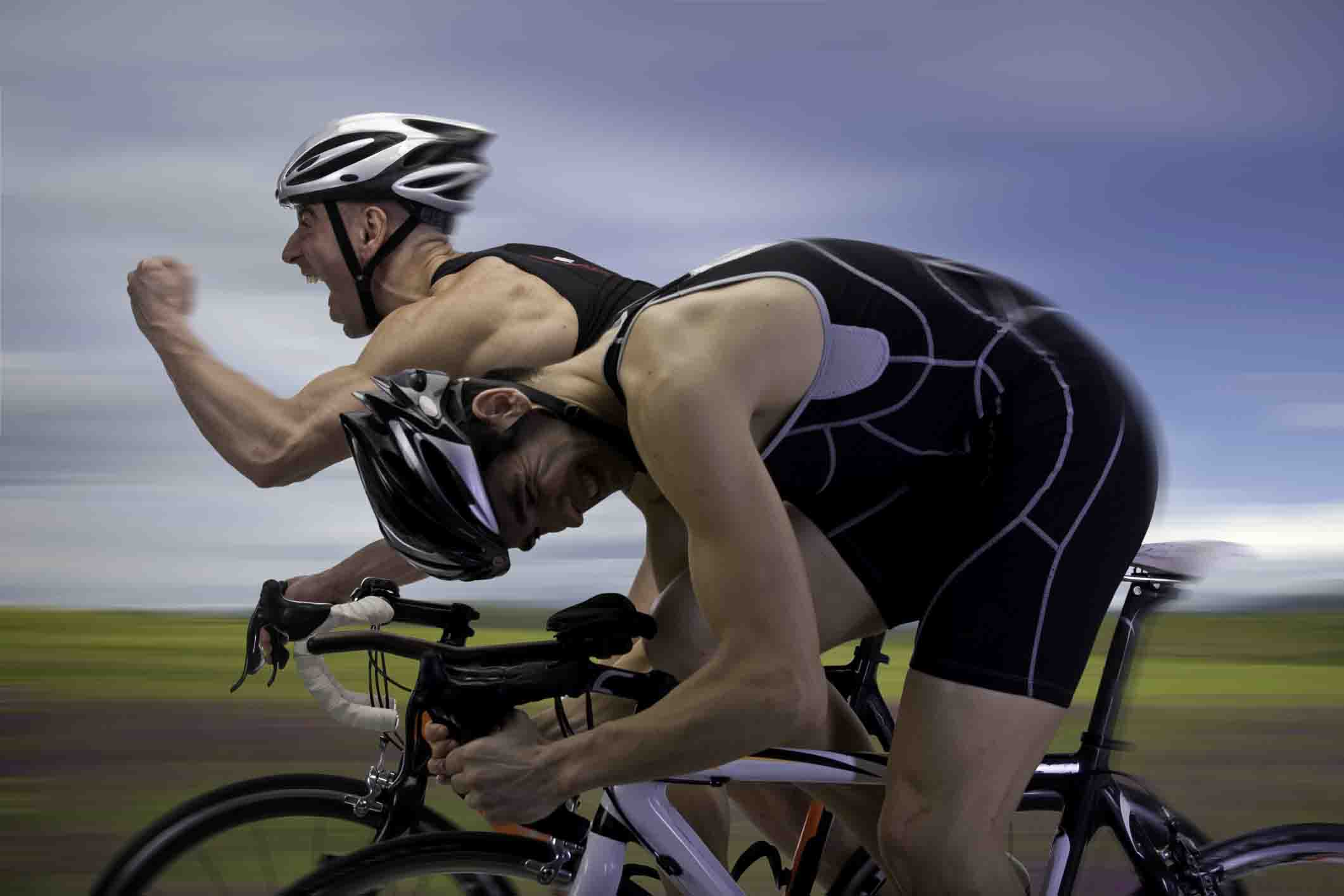 new zealand triathalon bikers 123rf
