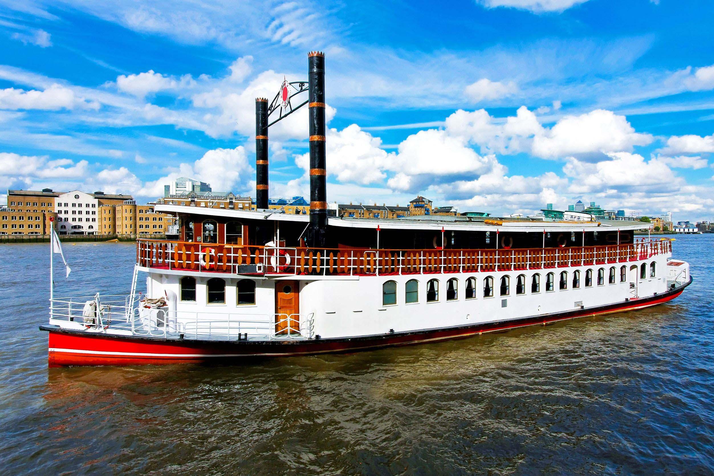 olf-fashioned-steam-boat-missouri-usa