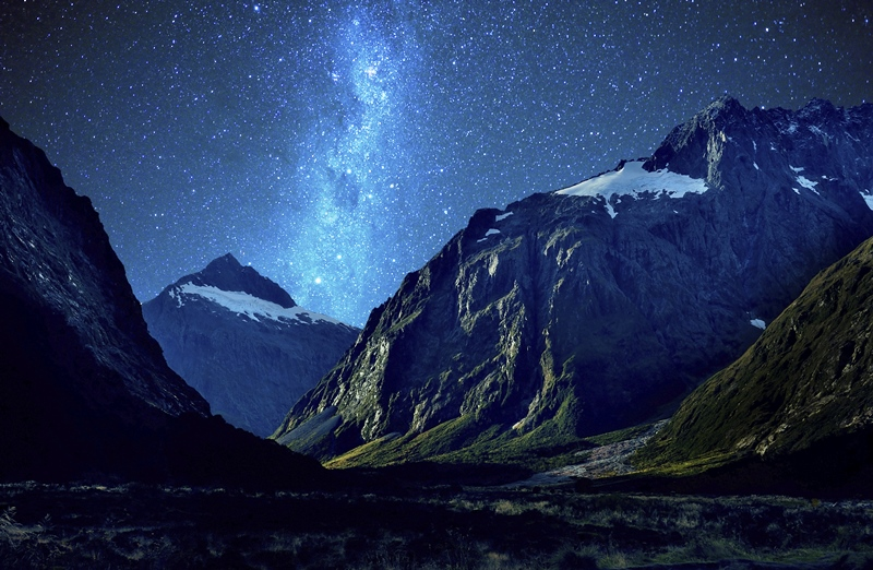 milford-sound-in-new-zealand-at-night