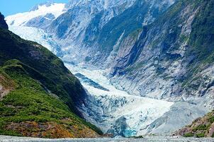 franz-josef-glacier-in-new-zealand