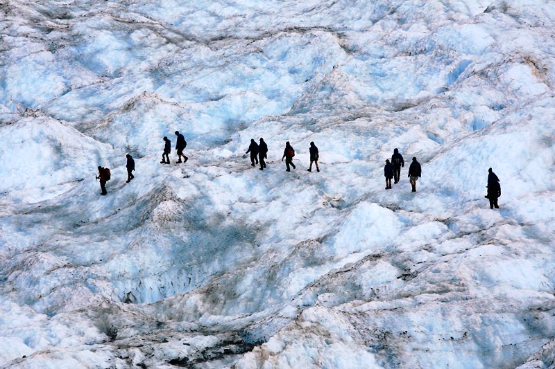 hiking-franz-josef-glacier-in-new-zealand