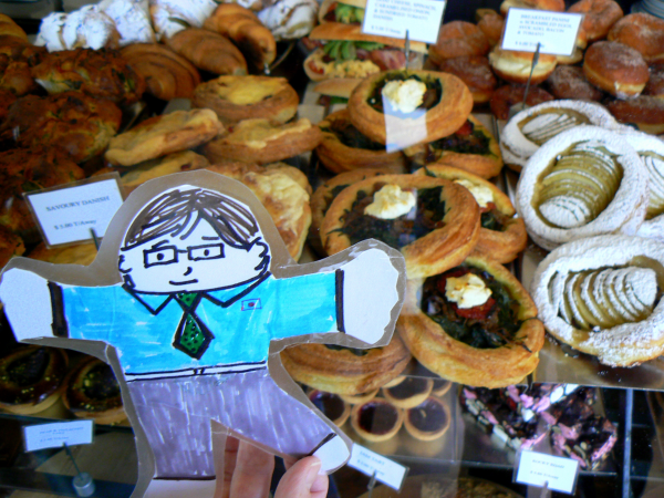 Flat Stanley at the Bakery resized 600