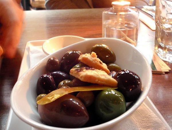Crisp Pitas and Spring Onion Relish from Matterhorn