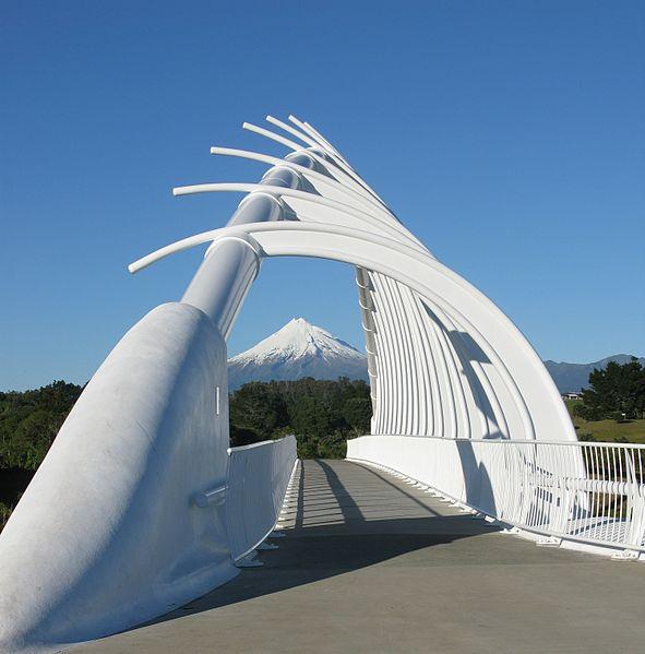 Te Rawa Rawa footbridge