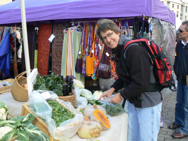 Veggie shopping resized 600
