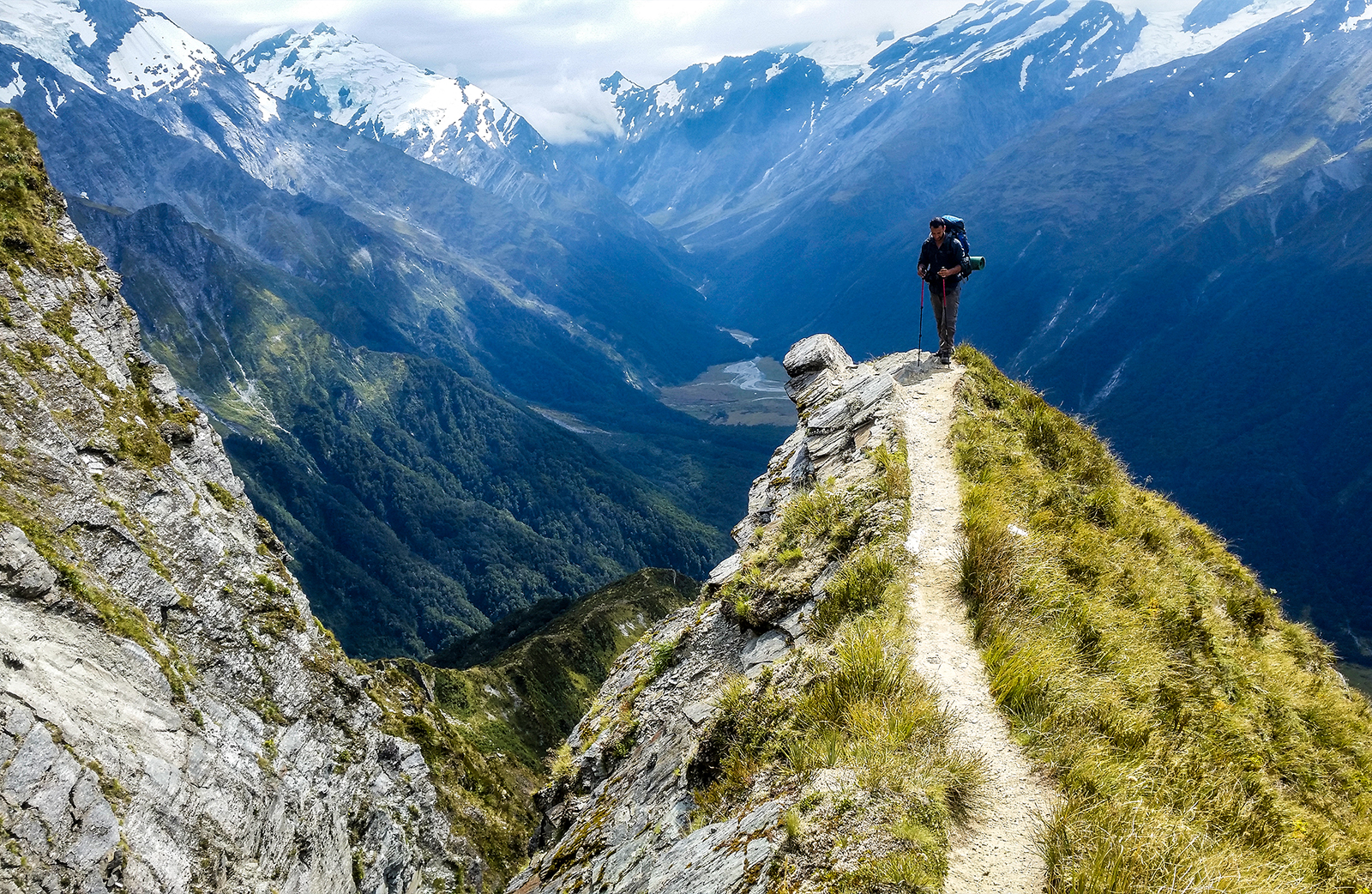 New-Zealand-mountain-hike