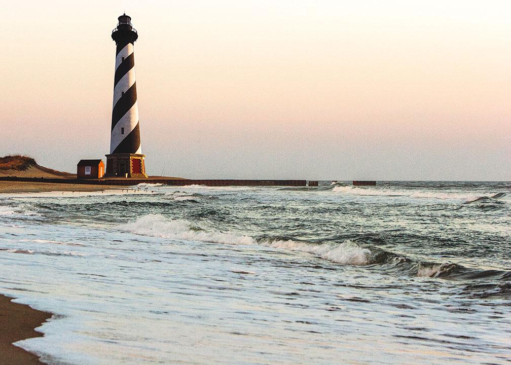 cape_hatteras_lighthouse_north_carolina_istock.jpg