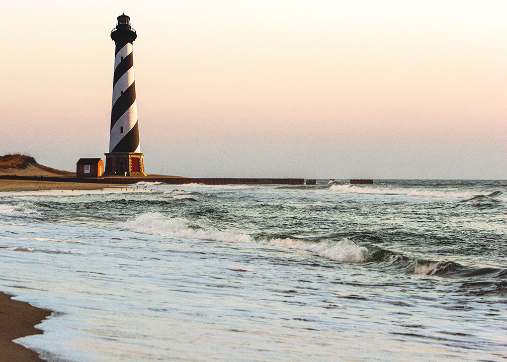 cape_hatteras_lighthouse_north_carolina_istock.jpg