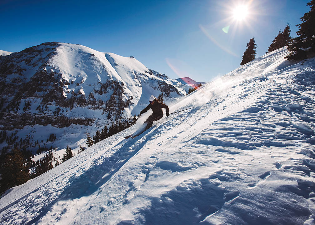 skiing_locum_tenens_colorado_istock.jpg